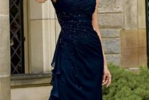 Mother of the bride look with a Navy dress like mine