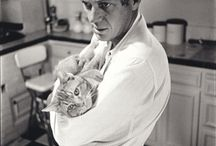⌇Famous people and cats