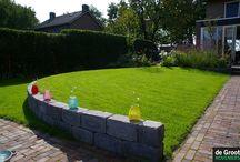 Niveau verschillen tuin / In de tuin geven niveau verschillen een ruimtelijk effect. Trappen, verhoogde borders of bollingen in borders geven een duidelijke meerwaarde voor de moderne tuin.