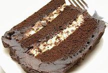 Food -- Cake / by Christine Ashburn