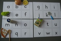 ah speeltjes / op alfabetletters producten neerleggen