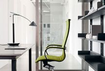 EM202BASIC / #emmegi #emmegiseating #EM202BASIC #office A detail makes all the difference. A successful combination of light padding and fine upholstery is a value-added feature that adds aesthetic appeal to the Basic version