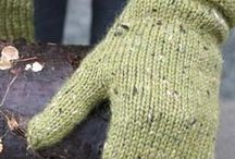Knit for head,hands and feet / Knitted mittens; inspirations, pattern and charts.