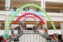 Balloon Arches - PGB / Balloon arches are a great way to give any event a wow factor. Whether corporate or personal, our customizable arches will frame your event in awesome!