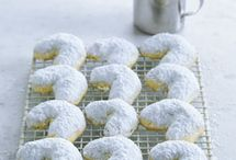 Greek cookies / by Maria Goumas