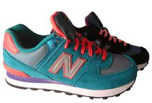 New Balance 2016 - For women / Shop New Balance on-line at Valentina: fast worldwide shipping. Or come try New Balance sneakers in our store in the very heart of Florence, Italy. Shop Online or in Florence at Valentina's