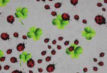 Látky nejen na patchwork / Bavlny jsou vhodné na patchwork, quilting, dekorace. Bavlněné látky mají také své využití k výrobě ložního prádla, používají se na letní šaty, kalhoty, sukně.
