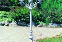 FAROLAS DE EXTERIOR / Ideas y propuestas para iluminar y decorar los jardines con originales farolas
