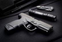 GUNS / by Aaron Finkelstein