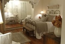 Bedrooms / by Cindy Kasica