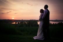 Bryllupsfoto / Flotte og smukke bryllupsfoto ved dygtig prisvindende bryllupsfotograf. Se mere om bryllupsfotografen på www.forevigt.dk