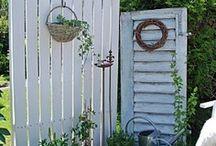 Gartenzäune und Fensterläden