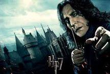 SEVERUS SNAPE..=) /  J.K. Rowling tarafından yazılmış Harry Potter serisinin bir karakteridir. Sıska, soluk yüzlü, kanca burunlu, omuzlarına kadar inen yağlı saçları ve siyah cübbesiyle besili bir yarasaya benzer. Snape ile ilgili en eski bilgilerin başına dönersek, Hogwarts'a geldiğinde kara büyü konusunda öğretmenlerden bile fazla bilgisi olduğunu ve çok istediği Slytherin'e seçildiğini belirtmemiz gerekir.İksir Uzmanı ve Slytherin'in Bina Başkanı olmuştur.