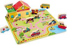 Puzzle / Jocurile puzzle sunt distractive pentru cei mici, însă au ca scop dezvoltarea aptitudinilor esențiale precum coordonarea mână-ochi, abilități spațiale și aptitudini fizice, de îndemânare. Pe lângă aceste abilități, jocurile puzzle dezvoltă și capacități intelectuale și cognitive: abilitatea de a procesa informații și a rezolva probleme.