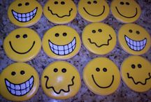 Top Smile Cakes / Cake is perfect for putting a smile on someone's face, but sometimes we put the smile right on the cake.  Check out this collection of cakes with a smile from the Cake Central Gallery. #top-cakes #smile #cakecentral