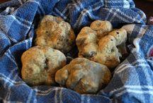 Materie prime / Tartufo, funghi, uve e vini rinomati: gemme del territorio che ci circonda, ingredienti sovrani della nostra cucina
