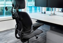 """Humanscale Freedom Headrest / Described by The New York Times as """"the gold standard in office seating,"""" the Freedom chair redefines the concept of traditional task chairs. Designer Niels Diffrient aimed to design an office chair that automatically adapts to the user, allowing them to move freely from posture to posture. Diffrient's unique approach removed complexities found in other chairs, such as cumbersome recline levers and back tension dials for a truly ergonomic task chair."""