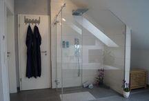 Dusche / Duschen  Duschwannen, Duschrinnen, bodenbündige Duschen, Duscharmaturen, Regenduschen, Duschabtrennungen, Echtglasabtrennungen