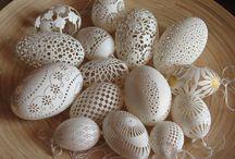 Eggstrordinary Eggshell Art! / by Dawn Brielle