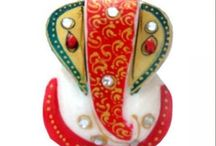 Idols Ganesha / This figurine of Lord Ganesha will grab attention right away  and comes in catchy multicolor!