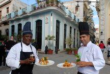 Café Taberna Amigos del Benny / Fundado en 1772 y recientemente restaurado por la Oficina del Historiador de la Ciudad, el Taberna (llamado así por su primer propietario, Don Juan Bautista Taberna) está situado en una esquina de la Plaza Vieja y es el café más antiguo de La Habana. / by Paseos por La Habana
