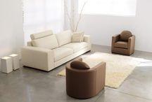 divani in pelle Tino Mariani / I divani in pelle Tino Mariani possono essere di linea moderna di design, oppure classici tradizionali. Per chi lo richiede l'azienda produce e vende divani in pelle su misura.
