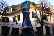 Bizarre Structures From All Over The World / When architectural skills combined with creativity should produce beauty and fascination in a rare way. Unique buildings are produced behalf of rare thoughts and the way to find uncommon entertainment.