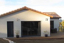 """MAISON MODERNE ET FONCTIONNELLE / Retrouvez l'histoire de cette maison moderne et fonctionnelle construite par Ami Bois sur notre blog """"Les Conseils d'Ami"""" http://lesconseilsdami.jimdo.com/2015/01/28/une-maison-moderne-et-fonctionnelle/"""