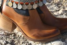 belted boots
