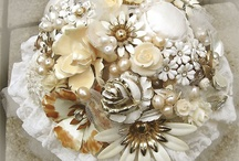 brooch/button bouqet / by Kelly Goodman Henry