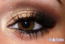 Makeup / by Sydney Stevens