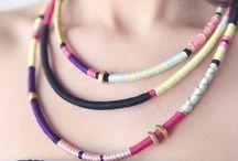 šňúrkové náhrdelníky