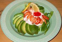 Forretter, appetizers og tapas / Her kan du finde inspiration til hvordan du skruer den bedste foret sammen. Har du mod på, at lave god mad og det har du. Så kan du finde lækre foretter her.