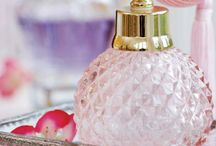 Frascos de Perfumes &Perfumes / Perfumes e Fascos lindos