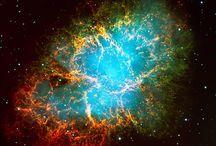 Universo / L'universo con i suoi pianeti e le costellazioni