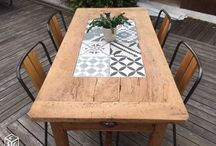 table avec carrelage