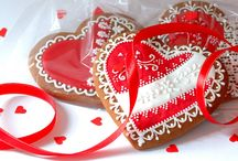 """Lace Gingerbread (ENG) / A handcrafted gingerbread cookies with royal icing from Polish creator """"Koronkowe Pierniczki""""."""