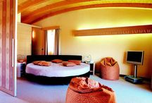 Interni e camere / Foto di camere, suite e interni al Color Hotel