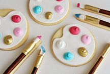 c o m e d y  c a k e s / decorated cakes and biscuits