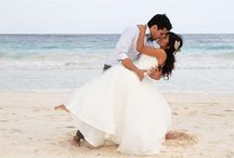 Beach Wedding / Beautiful weather, picture-perfect scenery and a relaxed, romantic atmosphere.  What more can you ask for?