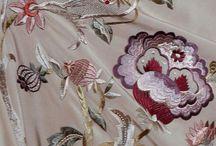 Mantones de Manila bordados a mano / Mantones de Manila bordados a mano por la artesana andaluza Manuela Romero