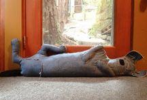 Jeans / Para aproveitar o velho jeans / by Regiane Garcia