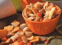 Snack-Mix / by Pam Smith