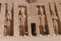 Ausflug nach Luxor / Ausflug Hurghada Luxor tagesausflug nach Luxor ab Hurghada mit Bus LUXOR das größte Freilichtmuseum der Antike mit Extra Egypt erleben ! ausflug von Hurghada nach Luxor mit dem Bus bringt Sie für einen Tag in das ehemalige Theben –der altägyptischen Königsmetropole Erleben Sie die Geschichte € 59