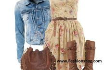 What to Wear Girls / Clothing Ideas For Girls High School Senior Portrait Photo Shoot
