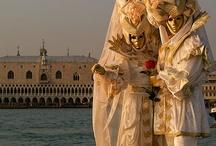 Carnaval de Venise / Pour voir encore plus de photos, regardez aussi mes tableaux d'inspirations bleues, dorées et rouges ...