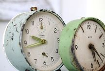 I love....clocks / by Rhonda Loje