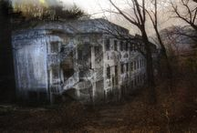 Old haunting houses