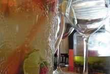 DRINKS & BITES / We shake, we stir, we pour...