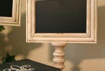 [ 1118  FAÇONS  D'ENCADRER ] / Une photo paraît cent fois plus belle si elle est joliment présentée.Mais il existe plusieurs façons de mettre en valeur oeuvres d'art et trésors ; on peut aisément le faire soi-même et à peu de frais.Devenez un artiste de  l'encadrement, du collage sur bois et de la mise sous verre grâce à c'est 1036 épingles !